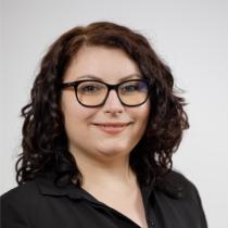 Elena Sfetcu - AA8A3956